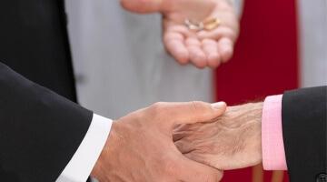 70 Prozent der befragten Katholiken in Deutschland wollen eine Anerkennung und Segnung gleichgeschlechtlicher Partnerschaften. (Bild: isitsharp)