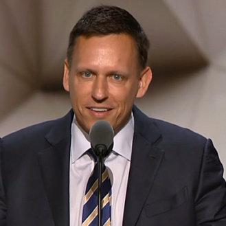 Peter Thiel: «Jeder Amerikaner hat eine Identität. Ich bin stolz, schwul zu sein. Ich bin stolz, Republikaner zu sein.» (Bild: YouTube/PBSNewsHour)