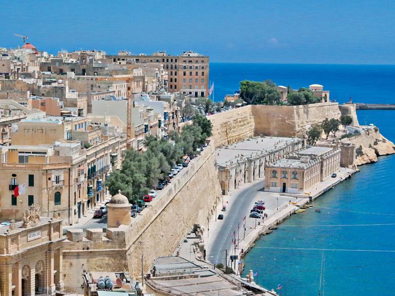 Der Ausblick von den Upper Barracca Gardens über die maltesische Hauptstadt Valletta ist atemberaubend.