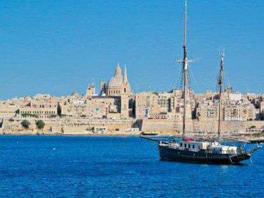 Die Aussicht, die sich am späten Nachmittag von Sliema aus auf die Altstadt von Valletta bietet, ist spektakulär. (Bilder: Andreas Gurtner)