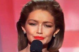Gigi Hadid als Melania Trump an den AMAs. (Bild: Twitter)