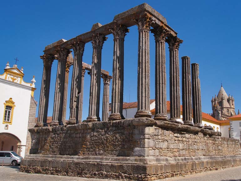Tempel Evora