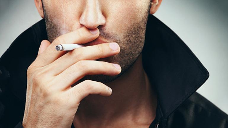 Zigarette-Mundgeruch
